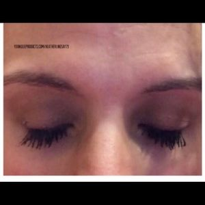 Younique Makeup Moodstruck Esteem Lash Serum Poshmark